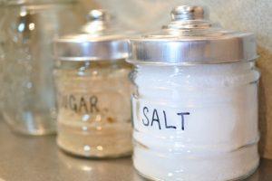 なぜ、離乳食は薄味にしないといけないの?塩分、糖分控えめにする理由とは??